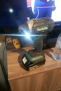 18 volt makita selling for 60 doesn't come with the charger Calgary, T2R 0P7