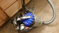 Dyson canister vacuum  Englewood, 80110