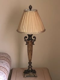 Beautiful Table lamp. In perfect condition.  Newark, 19713