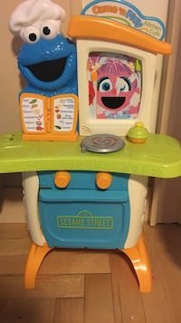 Sesame Street play oven  Lawrence, 01843