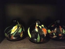 3 vases ceramic. Very decorative.