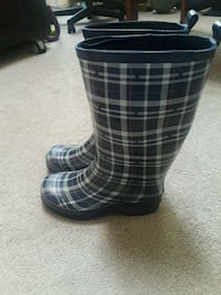 pair of black-and-gray plaid rain boots Alexandria, 22315