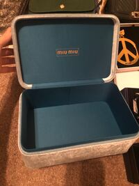 MiuMiu light blue jewel box 艾德蒙頓, T6H 4W9