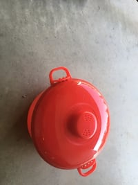 red and white plastic container Fresno, 93722