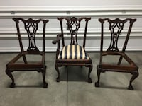 3- Beutiful antique mahogany dining table chairs good bones Las Vegas, 89131