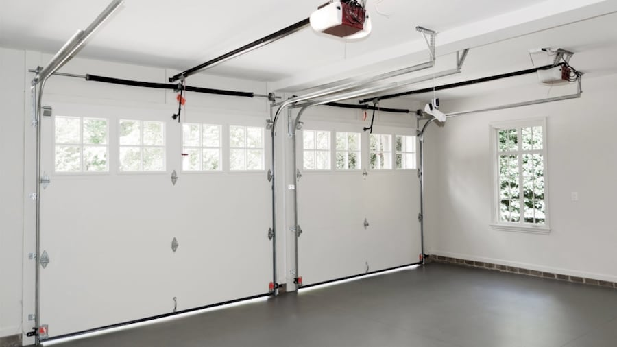 Garage door repair 27b93292-4922-4455-a437-e02be43b8652