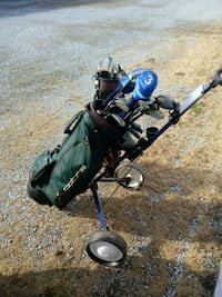 black and blue golf bag with golf clubs Hagerstown, 21740