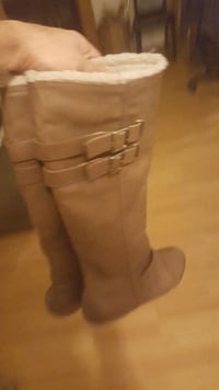 WOMEN BOOTS great condition