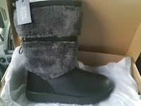 black leather fur-trim snow boot with box Sterling, 20166