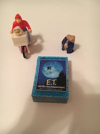Vintage ET bike, figure and 55 Trading Cards  New Eagle, 15067