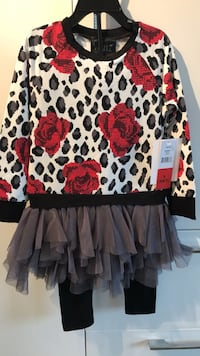 women's black, red, and white floral long-sleeved blouse 3725 km