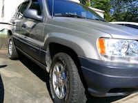 2000 Jeep Grand Cherokee ( excellent condition)