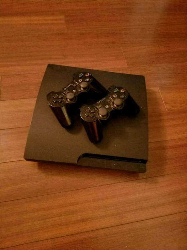 PS3 + 2 controllers + 8 games