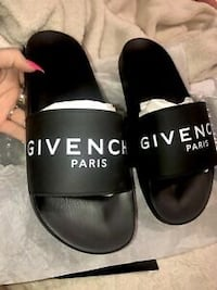 Brand new givenchy logo slides Waterloo, N2L 3E3