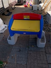 Children's game table in excellent condition located in shakopee. Shakopee, 55379