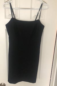 Aritzia Wilfred size 8 black mini dress with side zip and pockets