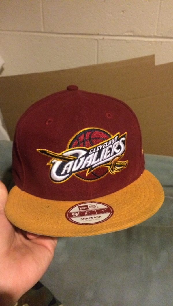 red and white Cleveland Cavaliers 9Fifty snapback cap