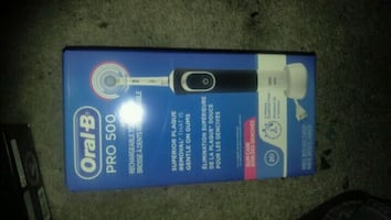 Elictric toothbrush oral-B