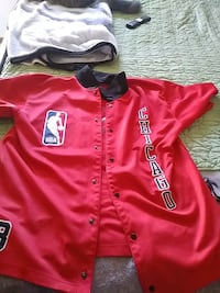 Chicago Bulls Button Up Omaha, 68106