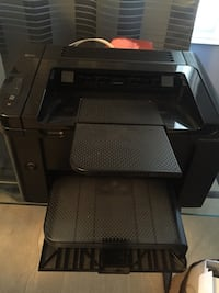Hp laser printer comes with 2 ink cartridges it's about 6 months old   Brampton, L6Y 0N9