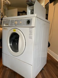 Commercial Washing Machine - Coin Operated New Orleans, 70122