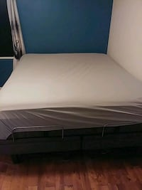 Cal King Bed/ Motorized Base Santa Ana, 92703