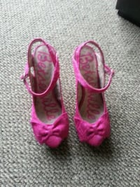 pair of pink high heels shoes Peterborough, K9J 8B8
