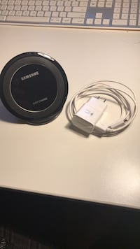 black Samsung wireless charging pad Germantown, 20874