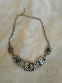silver chain necklace with pendant Vaughan, L4K 1G9