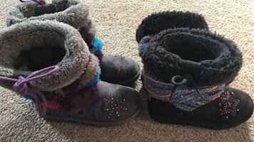 2 pairs of winter boots