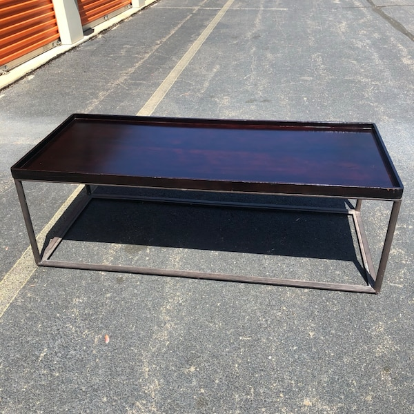 Coffee Table  279fede1-1c87-40f1-b04a-16f47906a176