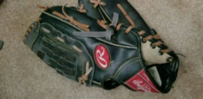 Rawlings Youth 11in Baseball glove