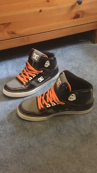 DC shoes size 11.5 East Northport, 11731