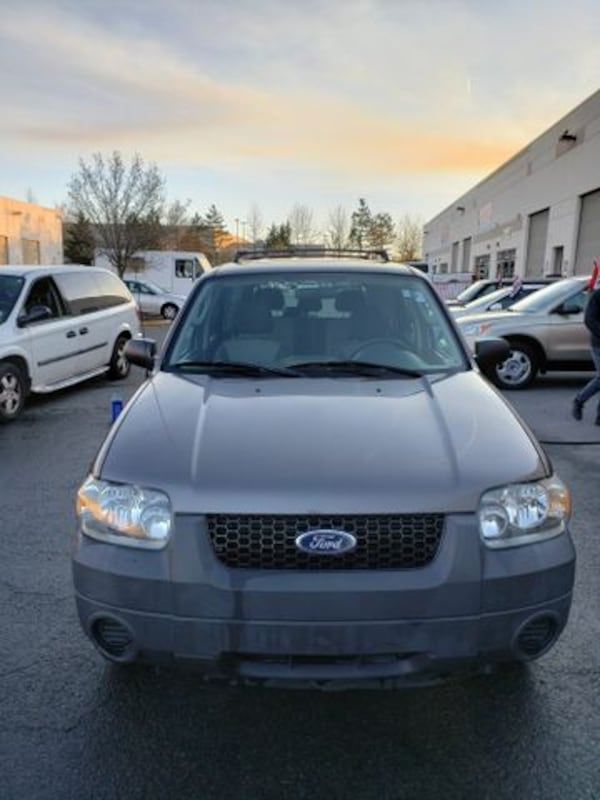 2006 Ford Escape for sale 686af885-3210-42b6-9aab-371d7ebb13ab