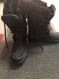 Womens Pajar winter boots with ice cleats