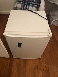 White single-door refrigerator Bowling Green, 22427