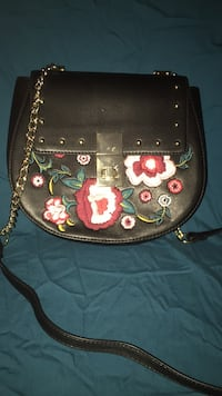 Black EXPRESS purse with floral design  Roy, 84067