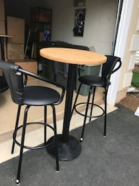 two brown wooden bar stools Gainesville, 20155