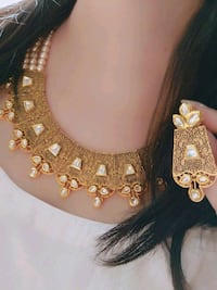 women's gold and silver necklace Ahmedabad, 380001