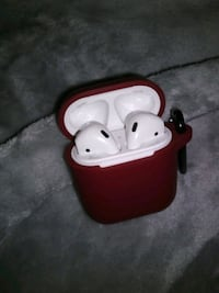 APPLE AIR PODS 2 WITH CHARGER AND NEW RED CASE  Detroit, 48224