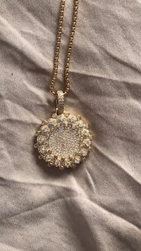 Flooded veritas pendant w/ chain  Fort Collins, 80526
