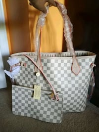 Grey white beautiful tote with pouch Mississauga, L4Z 4K5