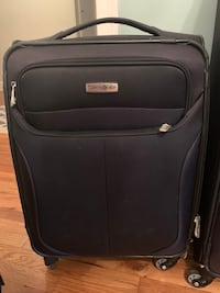 Like new Samsonite carry-on luggabe