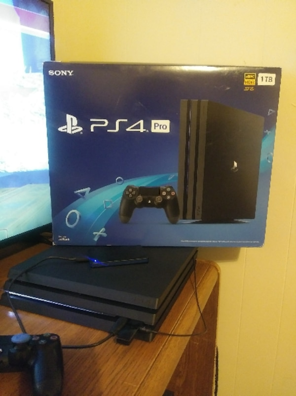 PS4 PRO W/headset and games