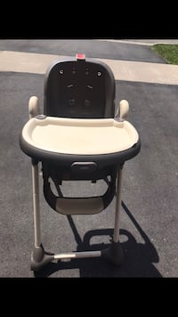 baby's black and white high chair Vaughan, L6A