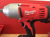Milwaukee Impact with 1 battery no charger