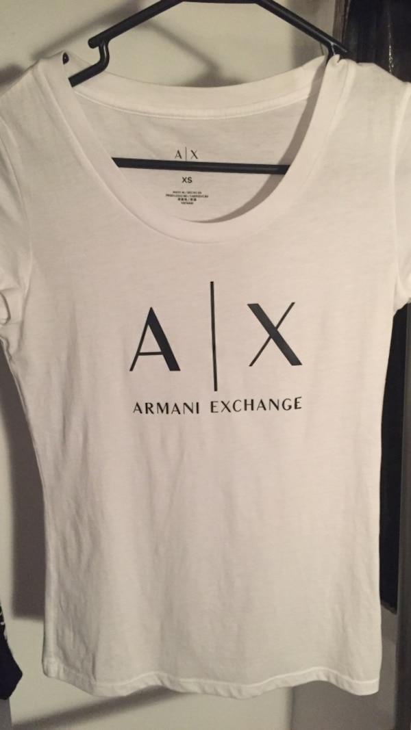 White and black armani exchange crew neck shirt