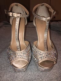 Bedazzled pumps  Olney, 20832