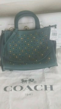 BRANDNEW NEVER USED COACH PURSE THAT STILL HAS THE TAGS ON IT  Anchorage, 99504