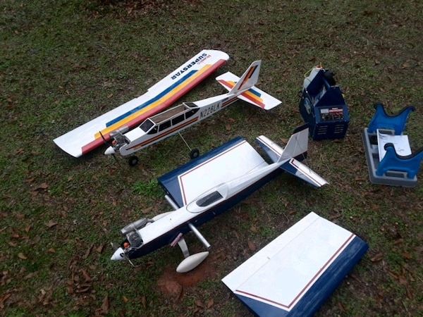 Two Nitro R C Planes for sale $4 25 00